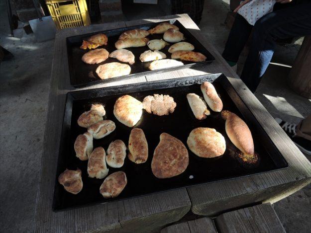 美味しそうに焼けたパン